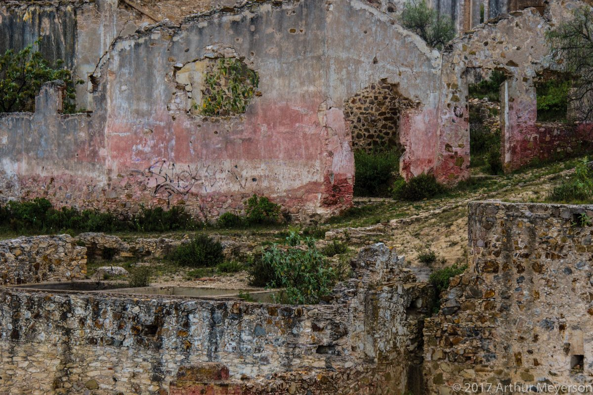 Abandoned Structure, Pozos